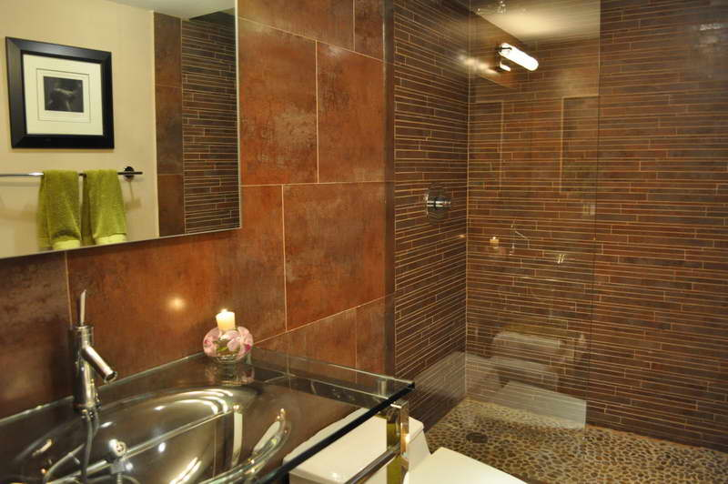 choosing the right small bathroom tile ideas with decorative candles