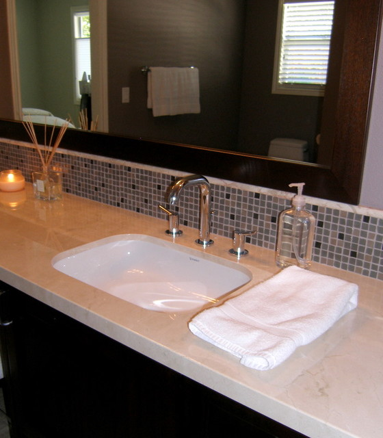 Glass-Tile-Backsplash-traditional-bathroom