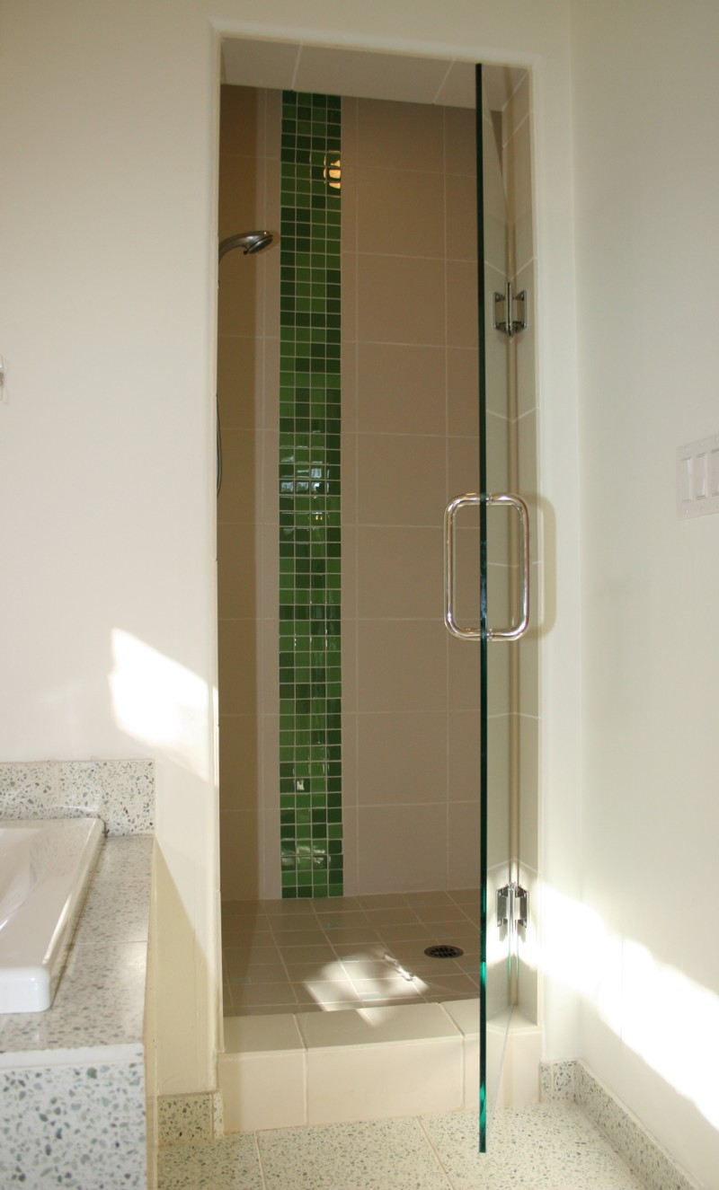 Glass-Tiles-in-Green-and-White-Shower