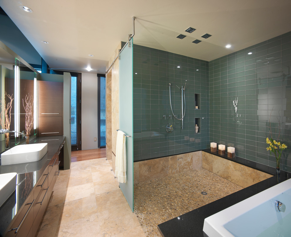 30 great bathroom glass tile photos and pictures for Contemporary bathroom tiles