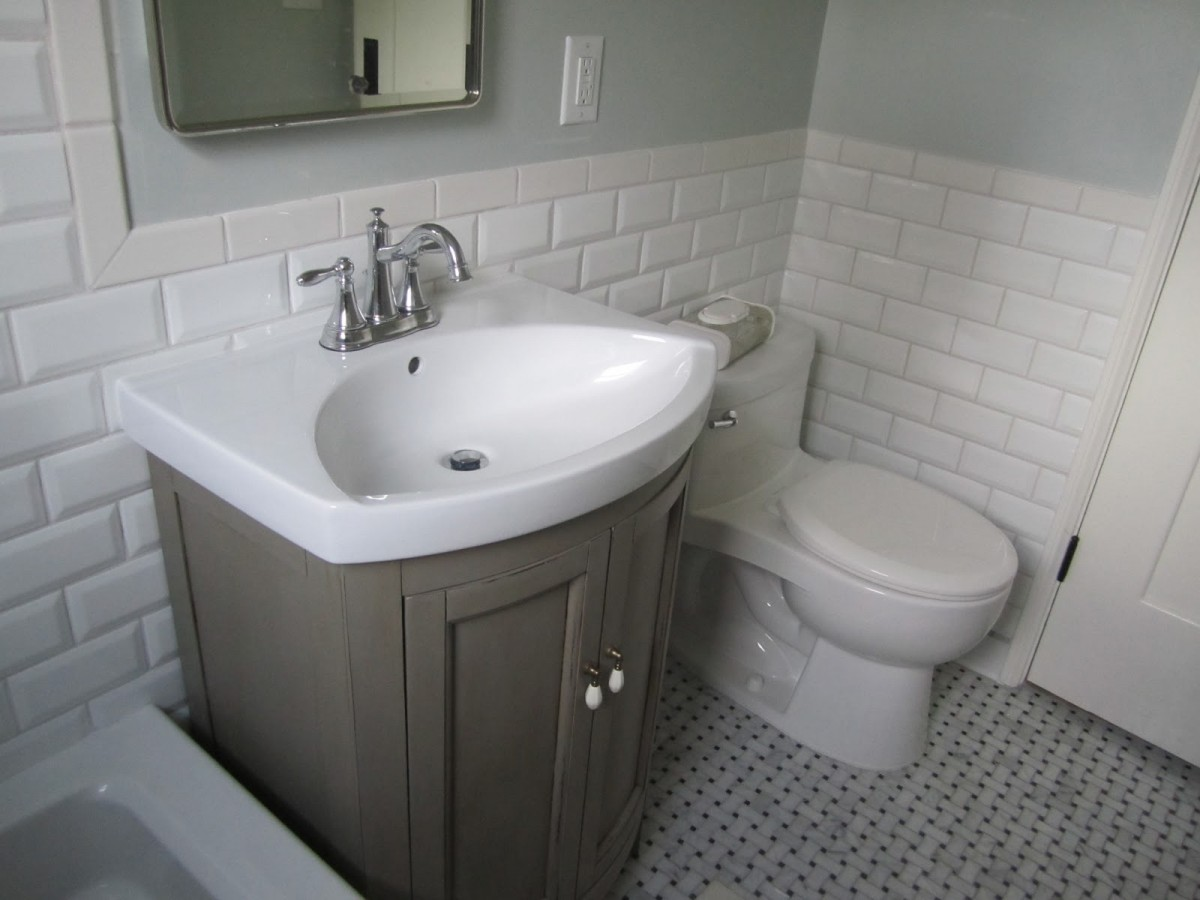 Subway-Tile-Ideas-For-Bathroom-with-white-theme