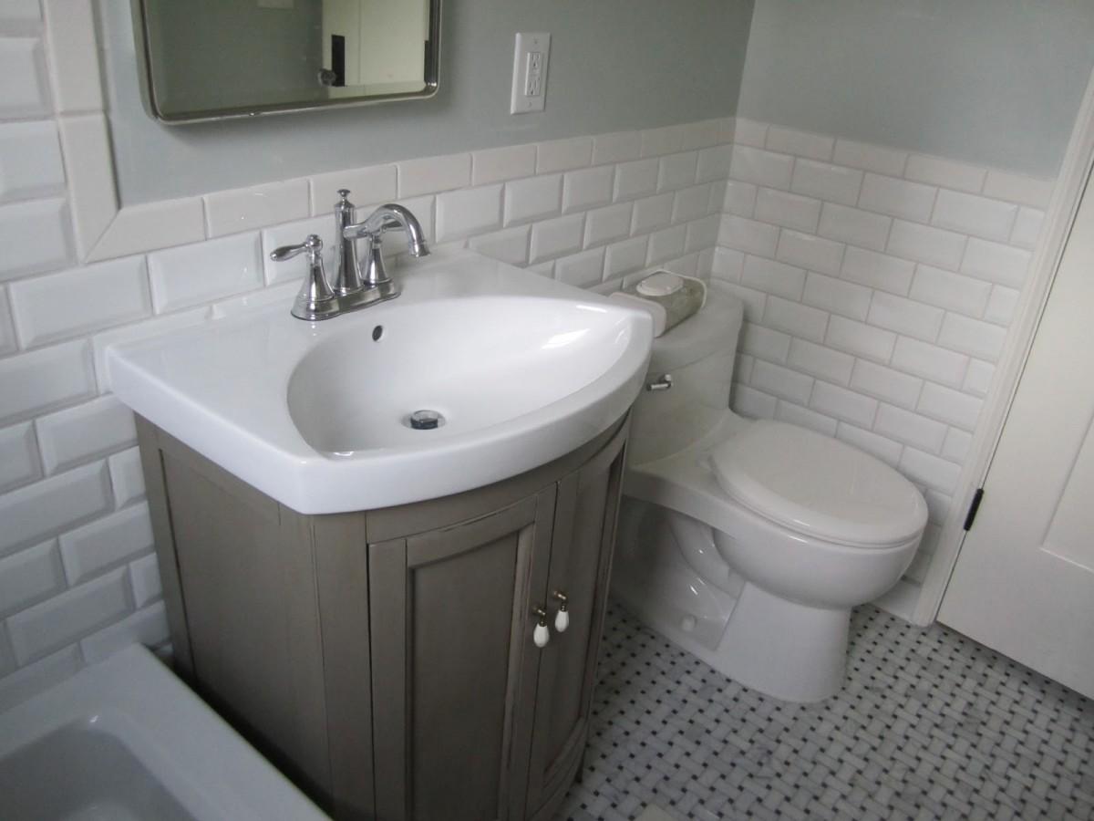 Subway-Tile-Ideas-For-Bathroom-with-white-theme