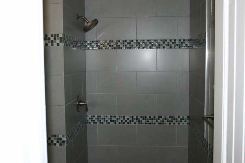 Tile-Designs-For-Small-Bathrooms-Housearquitectura-800x533