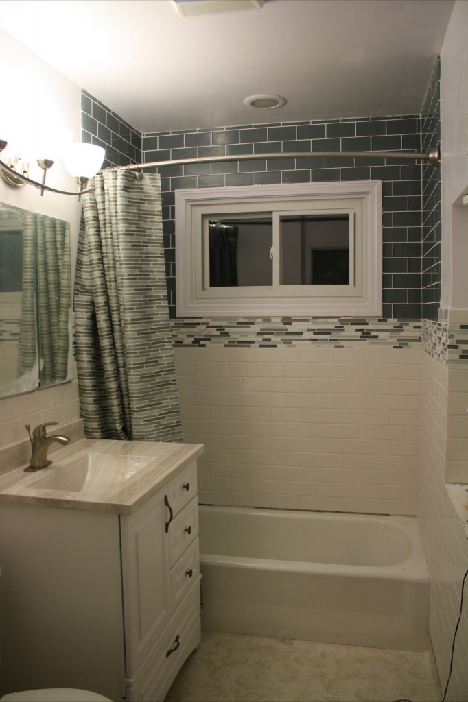 29 Ideas For Using Wainscoting Subway Tile In A Bathroom 2020
