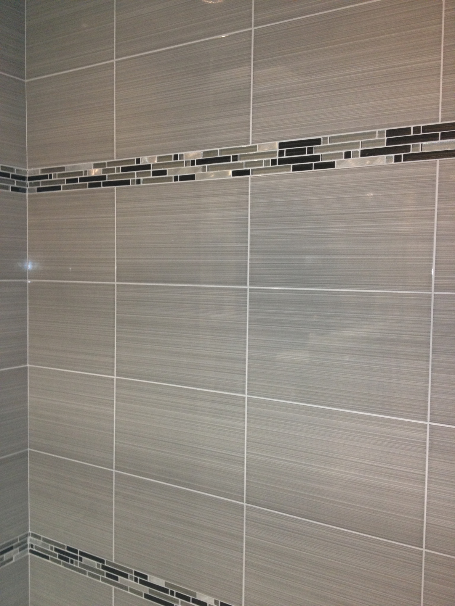Bathroom Glass Tile Accent Ideas 6d4bb44bdc09f4efc8d3a91028e2f9fd