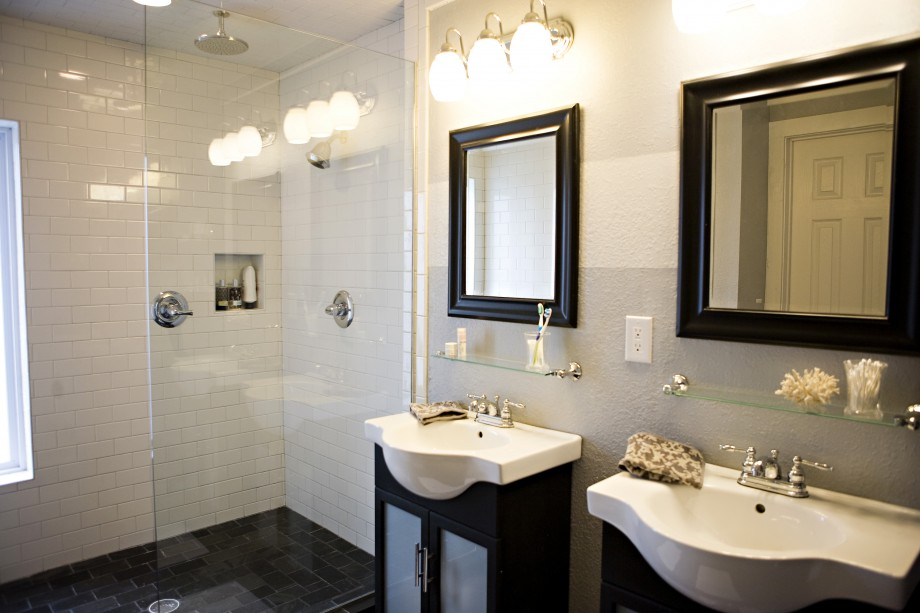 contemporary-master-bathroom-with-shower-glass-contemporary-glass-shower-920x613