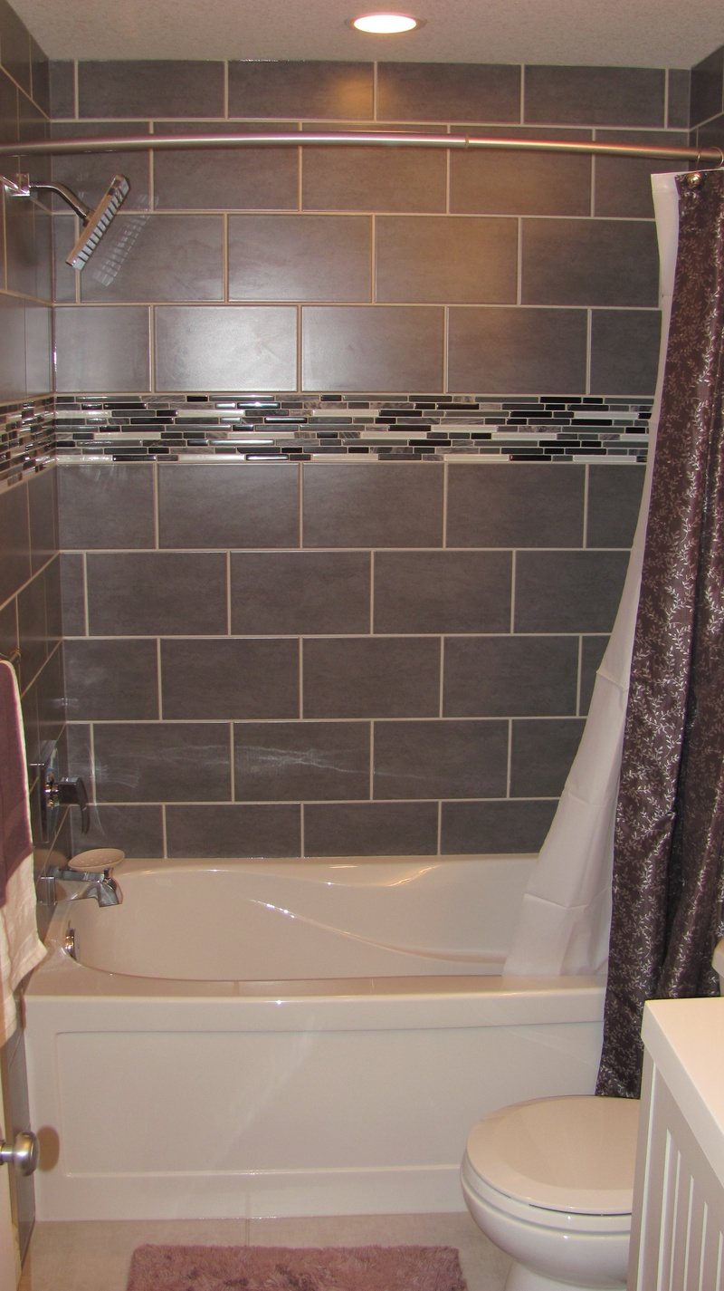 Great Ideas Of Glass Tile For Bath