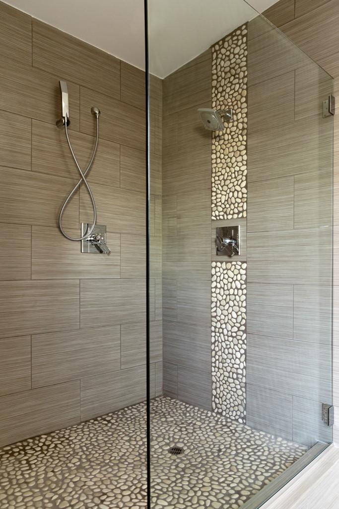 Bathroom Design With Large Subway Tile