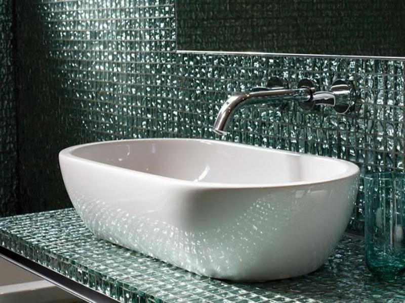 glass-tile-ideas-for-small-bathrooms-ideas-photo
