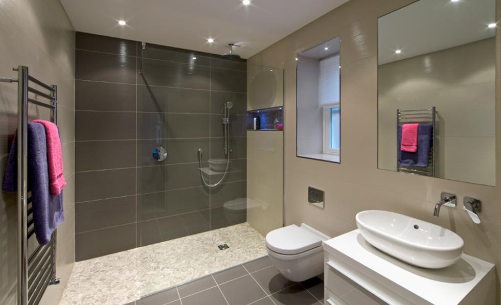 iStock_000018312970Small_bathroom_2