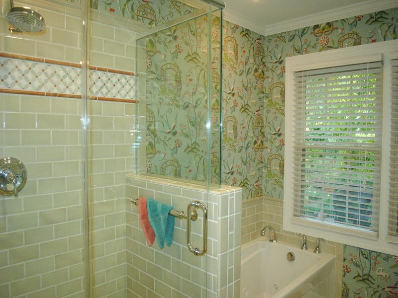 kllo - Bathroom Designs Using Glass Tiles