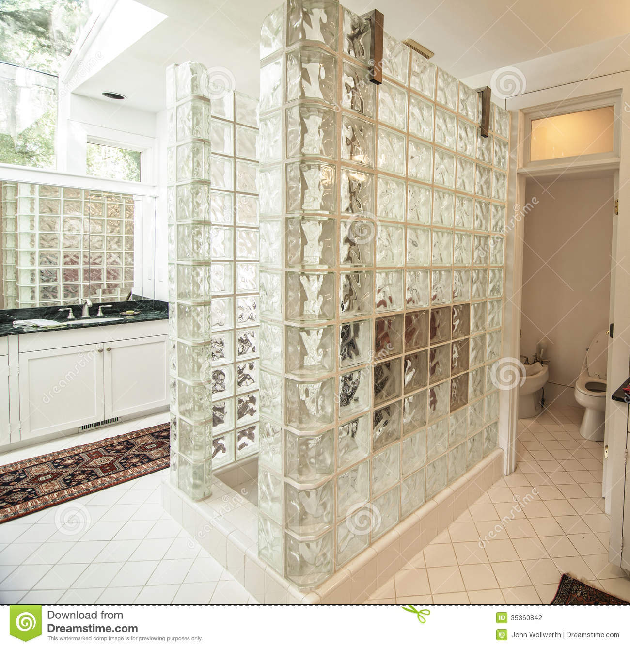 Glass Tiles In Bathroom: 20 Amazing Pictures Of Bathroom Makeovers With Glass Tile