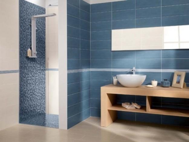 piastrelle-e-mosaico-blu-in-bagno