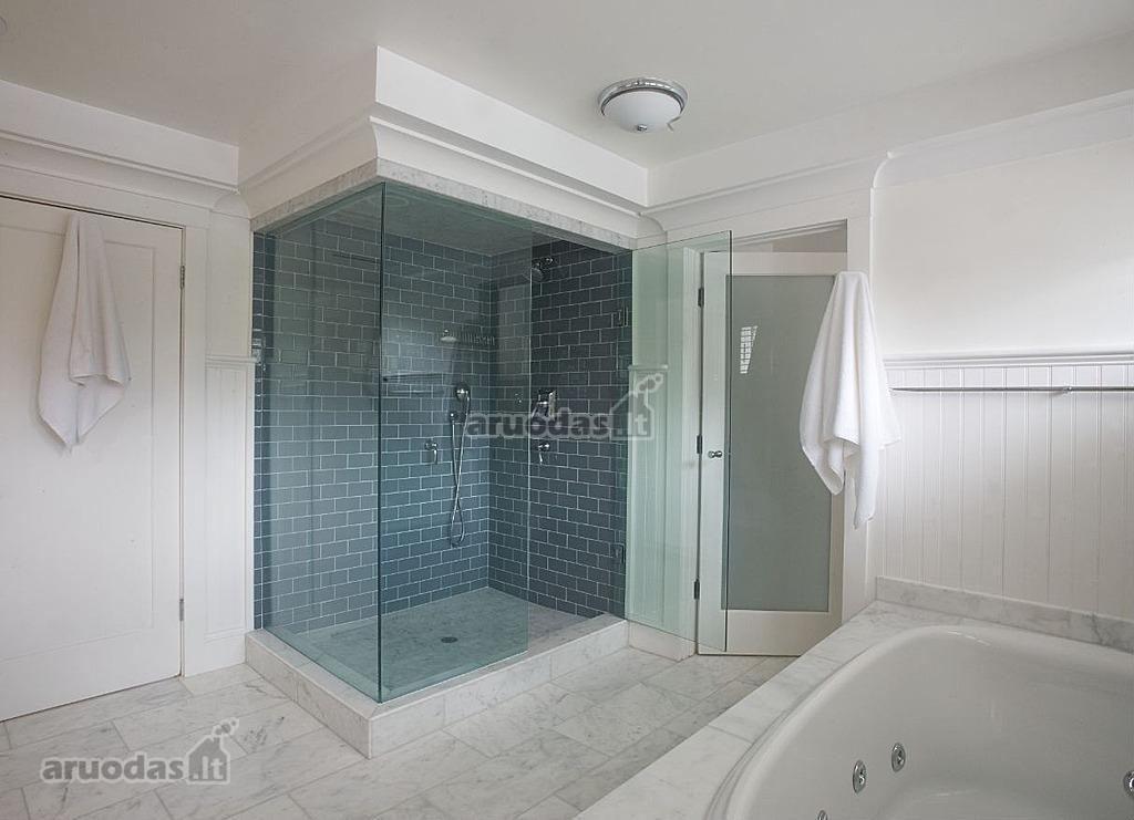 plytu-tekstura-vonios-kambaryje
