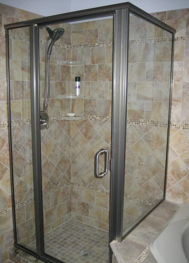 porcelain-tile-shower-multiple-pattern