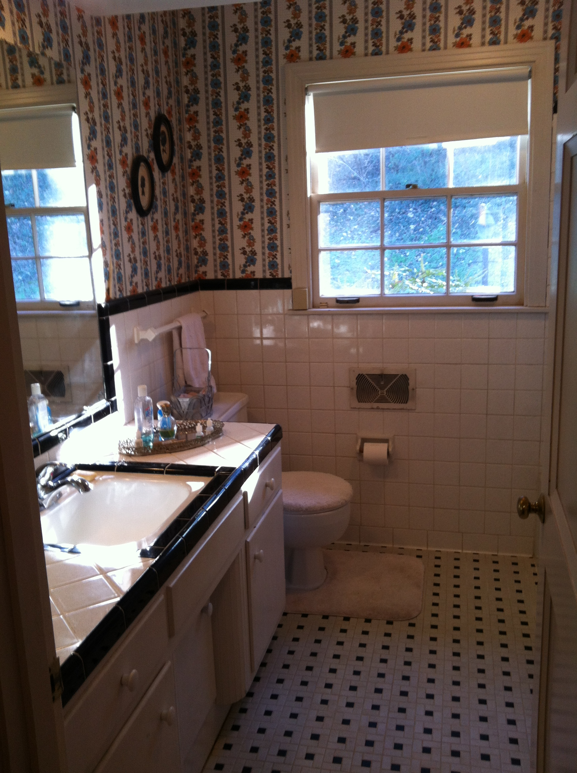 Delectable 60 1950s bathroom remodel before and after for Bathroom design 1930 s home
