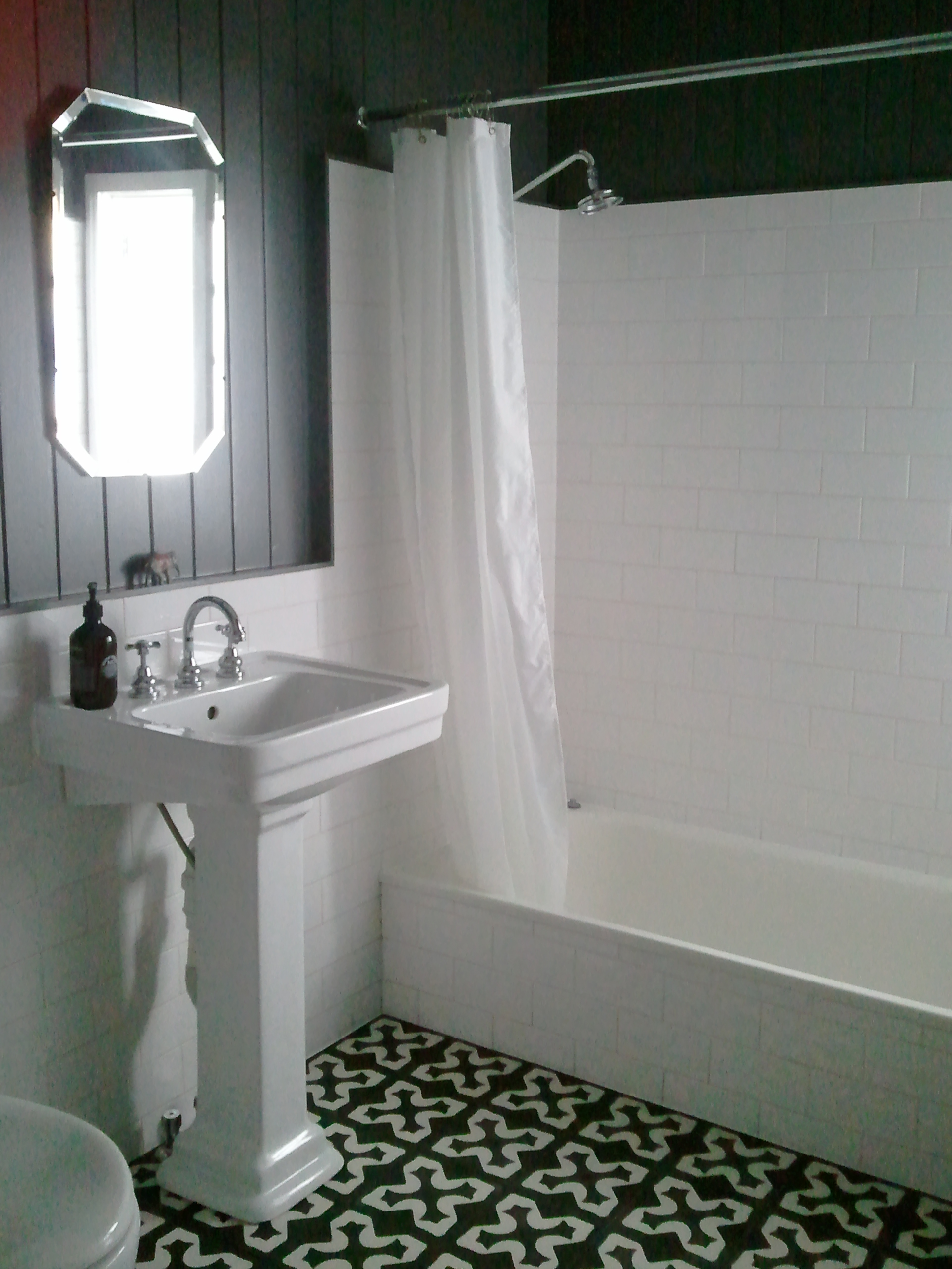 Small Bath Tile Ideas