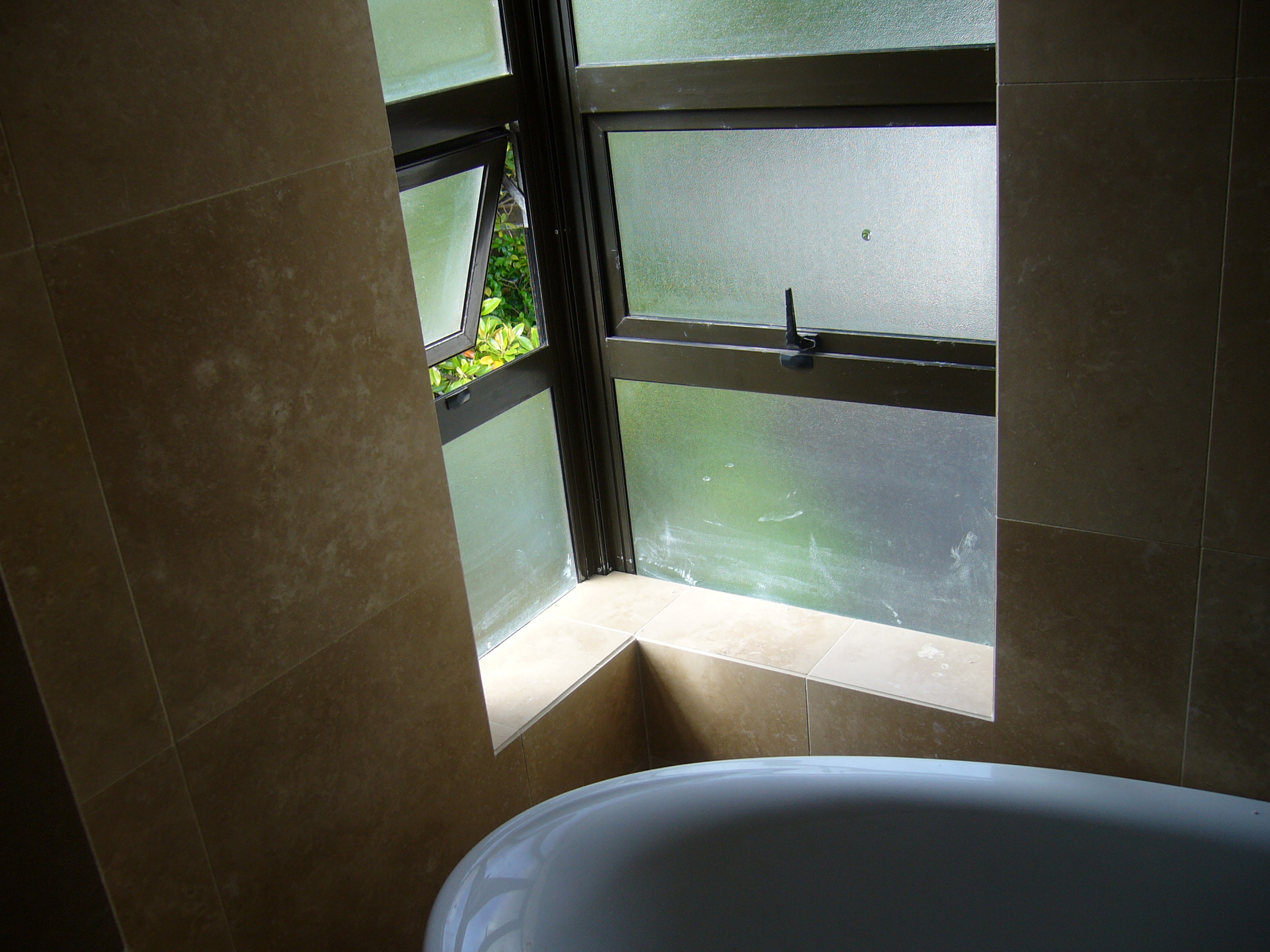 2natural-stone-Remuera-bathroom11