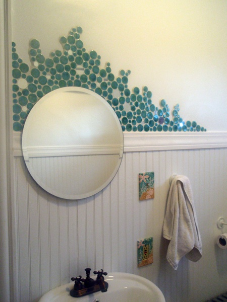 30 Ideas Of Using Round Mosaic Bathroom Tiles