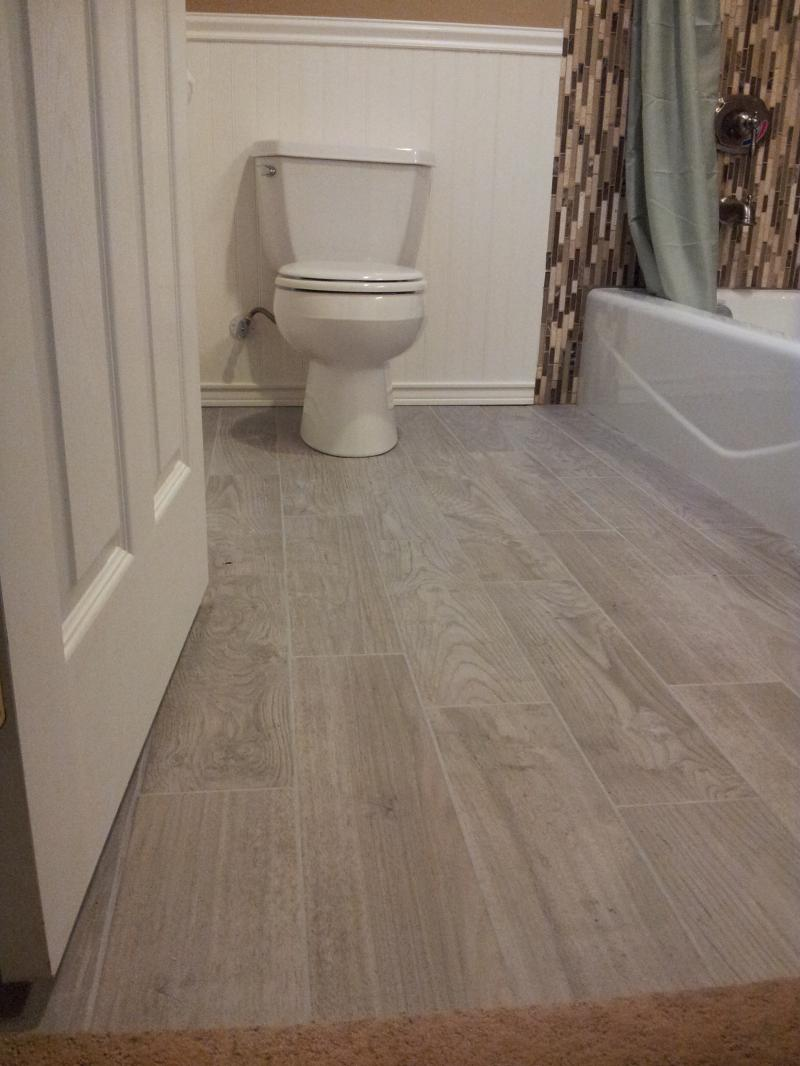 26 Great Ideas And Pictures Of Bathroom Floor Tile But Still Looks Like Hardwood