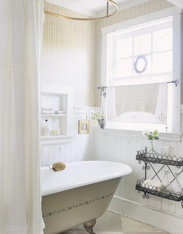 54eade43786df_-_bathroom-tub-window-htours0606-de
