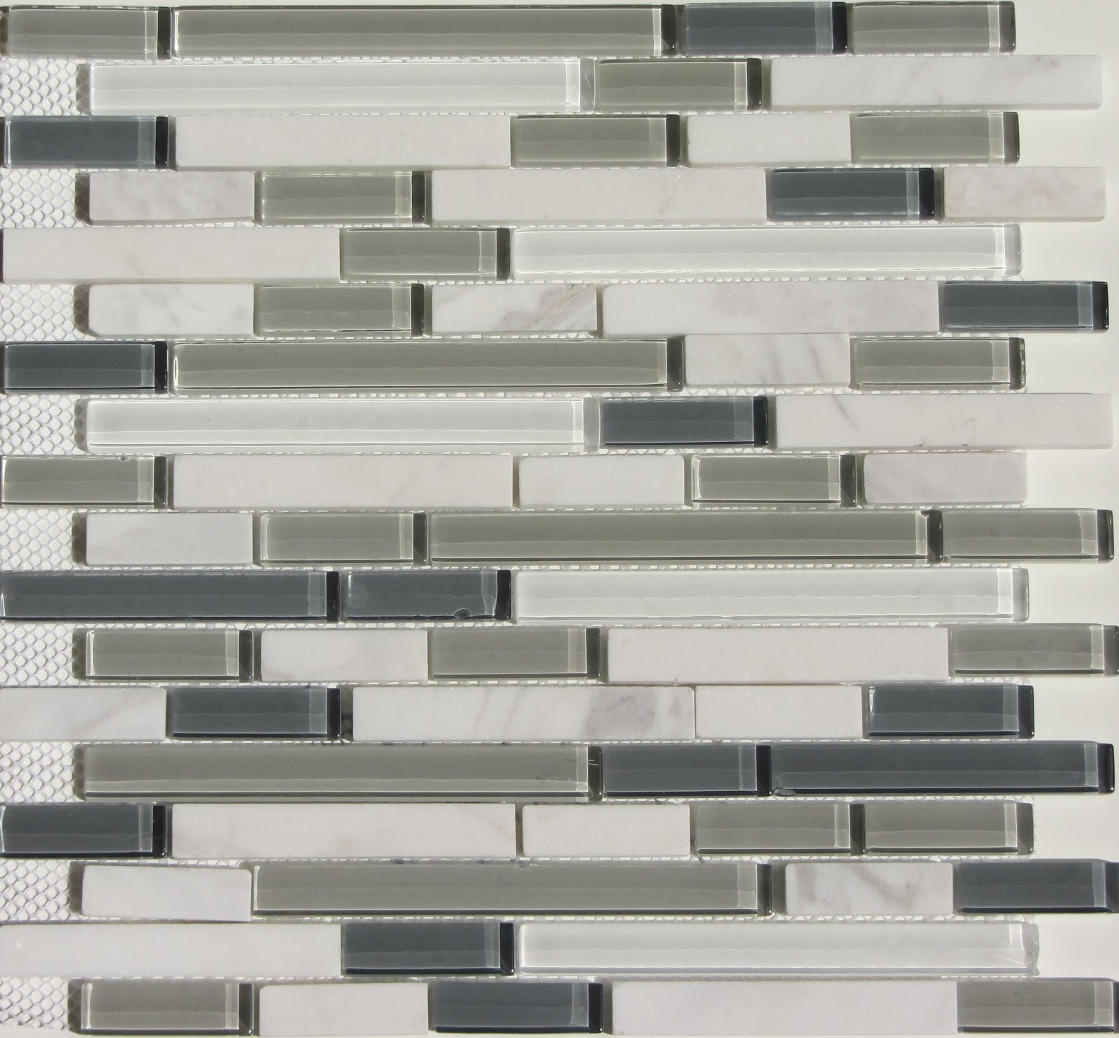 30 Ideas of using glass mosaic tile for bathroom backsplash