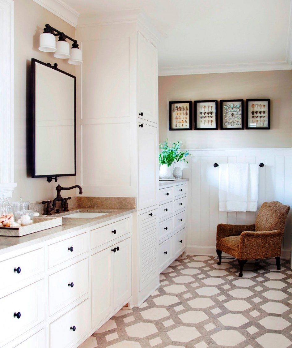 Classic-Interior-Bathroom-Design-with-Cool-vintage-bathroom-tile-patterns-with-Cute-flooring-and-Comfy-armchair-Ideas