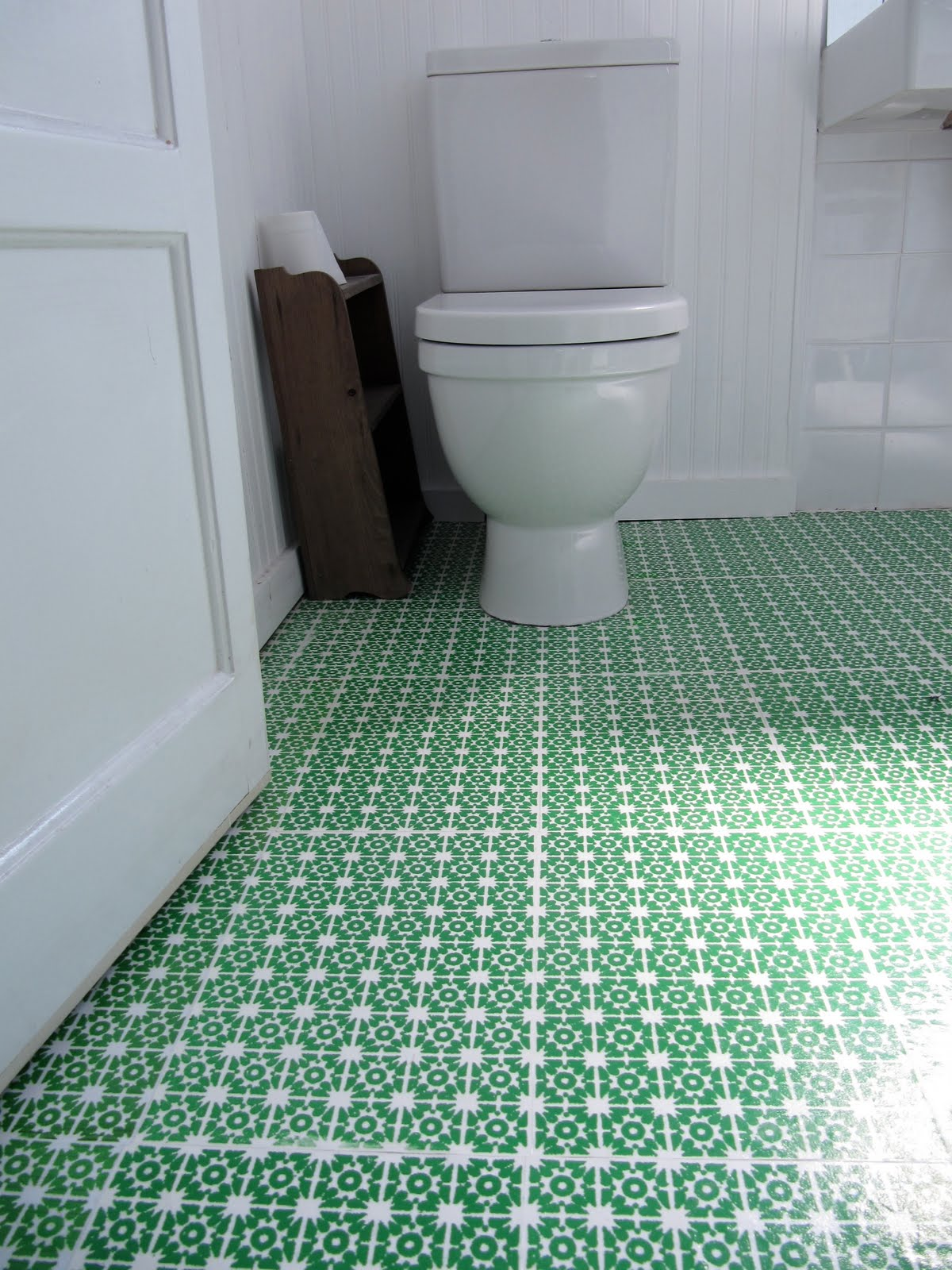 Cozy-Bathroom-Vinyl-Flooring