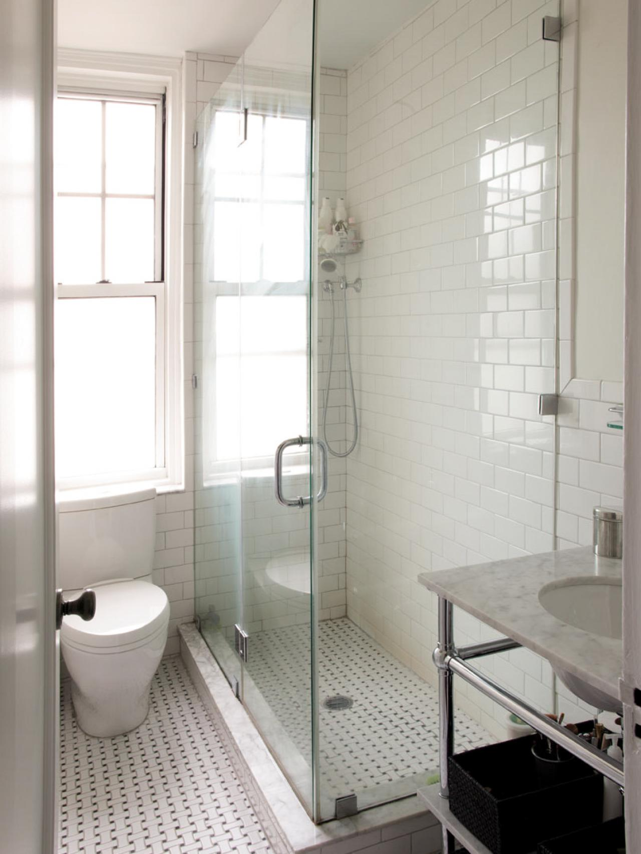 DP_Design-Development-traditional-white-bathroom-shower_v.jpg.rend.hgtvcom.1280.1707