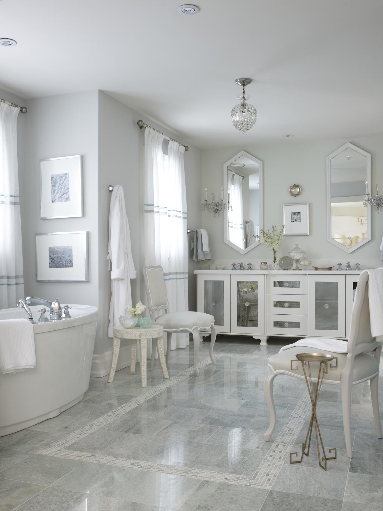FLSRA411L_Master-Bathroom-Wide_s3x4.jpg.rend.hgtvcom.1280.1707