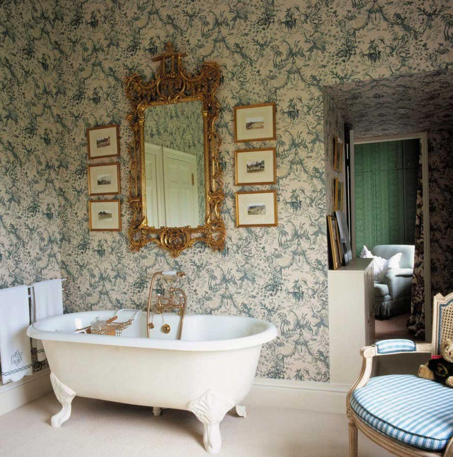 Gold-and-Teal-Victorian-Bathroom