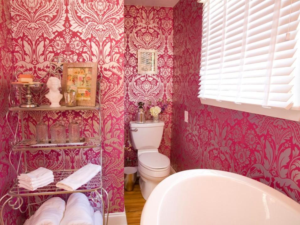 HPBRS408H_pink-wallpaper-bathroom-french_4x3.jpg.rend.hgtvcom.1280.960