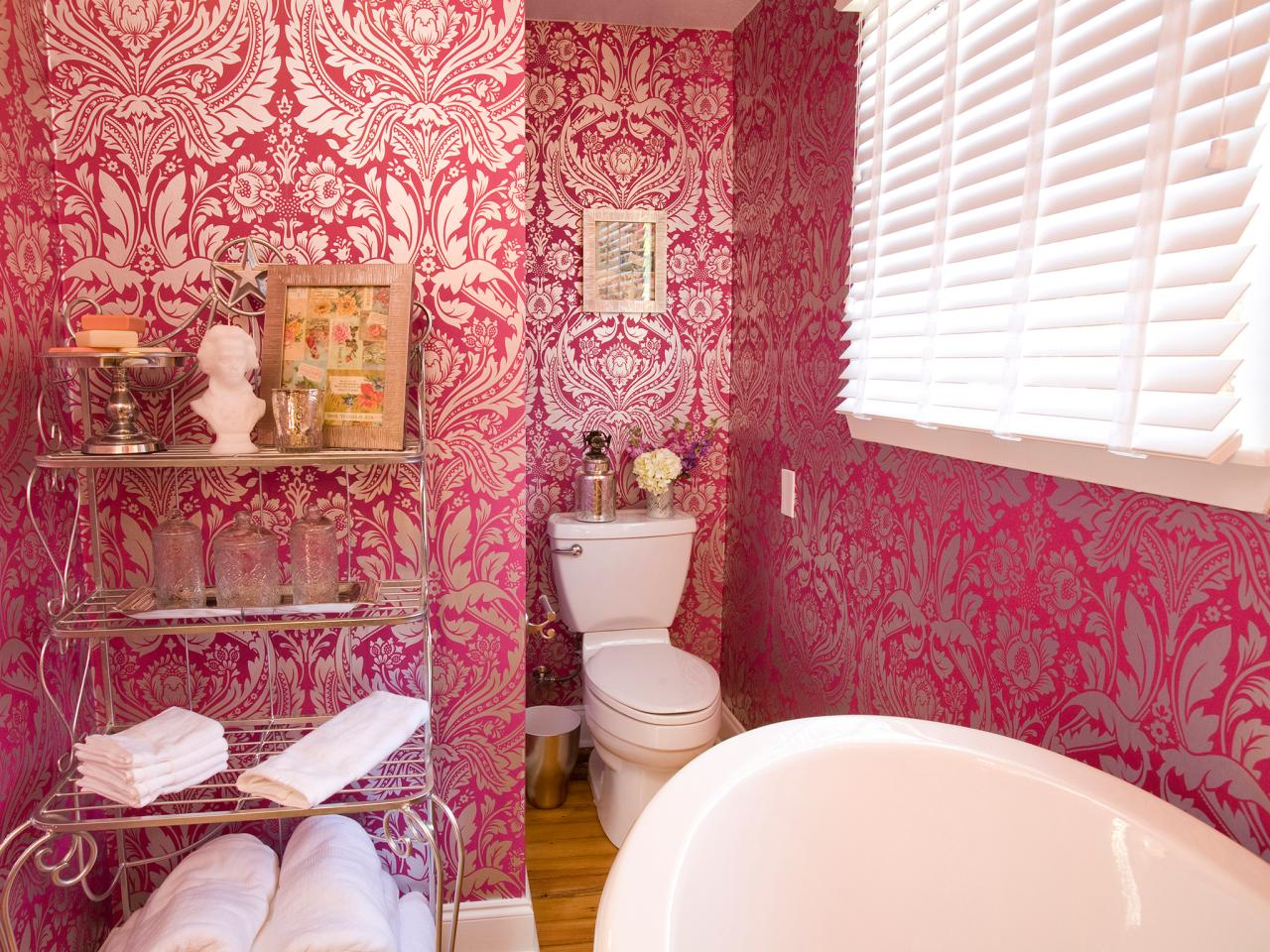 HPBRS408H_pink-wallpaper-bathroom-french_4x3.jpg.rend.hgtvcom.1280.960