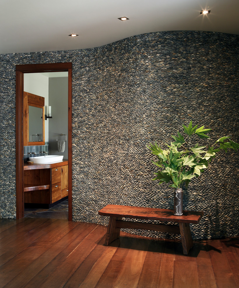 31 great ideas and pictures of river rock tiles for the for Accent meuble la tuque