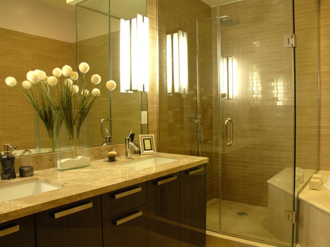 Kim-Ammie-Gold-Bathroom_02_s4x3.jpg.rend.hgtvcom.1280.960