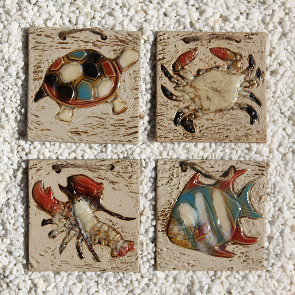 Mediterranean-decorative-ceramic-wall-tile-piece-of-marine-fish-paintings-crab-waist