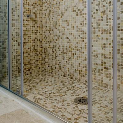 Mosaico-su-rete-in-travertino-400x400