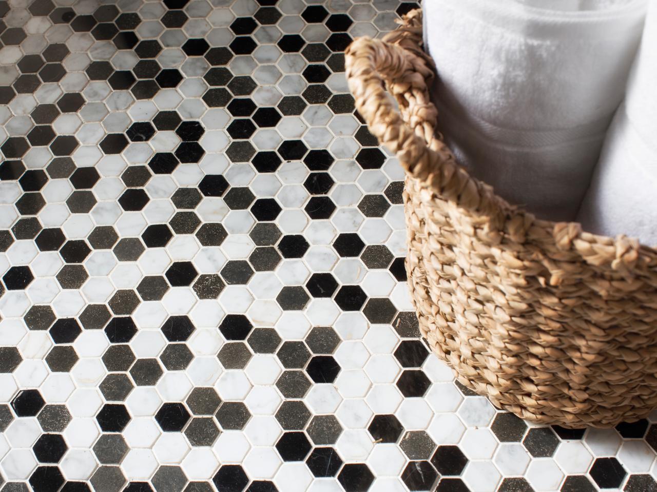 Original_Brian-Patrick-Flynn-hexagon-bathroom-tile_s4x3.jpg.rend.hgtvcom.1280.960