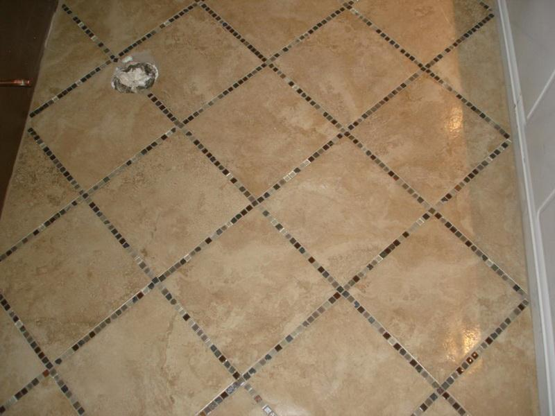30 pictures of mosaic tile patterns for bathroom floor for Glass tile ideas for small bathrooms