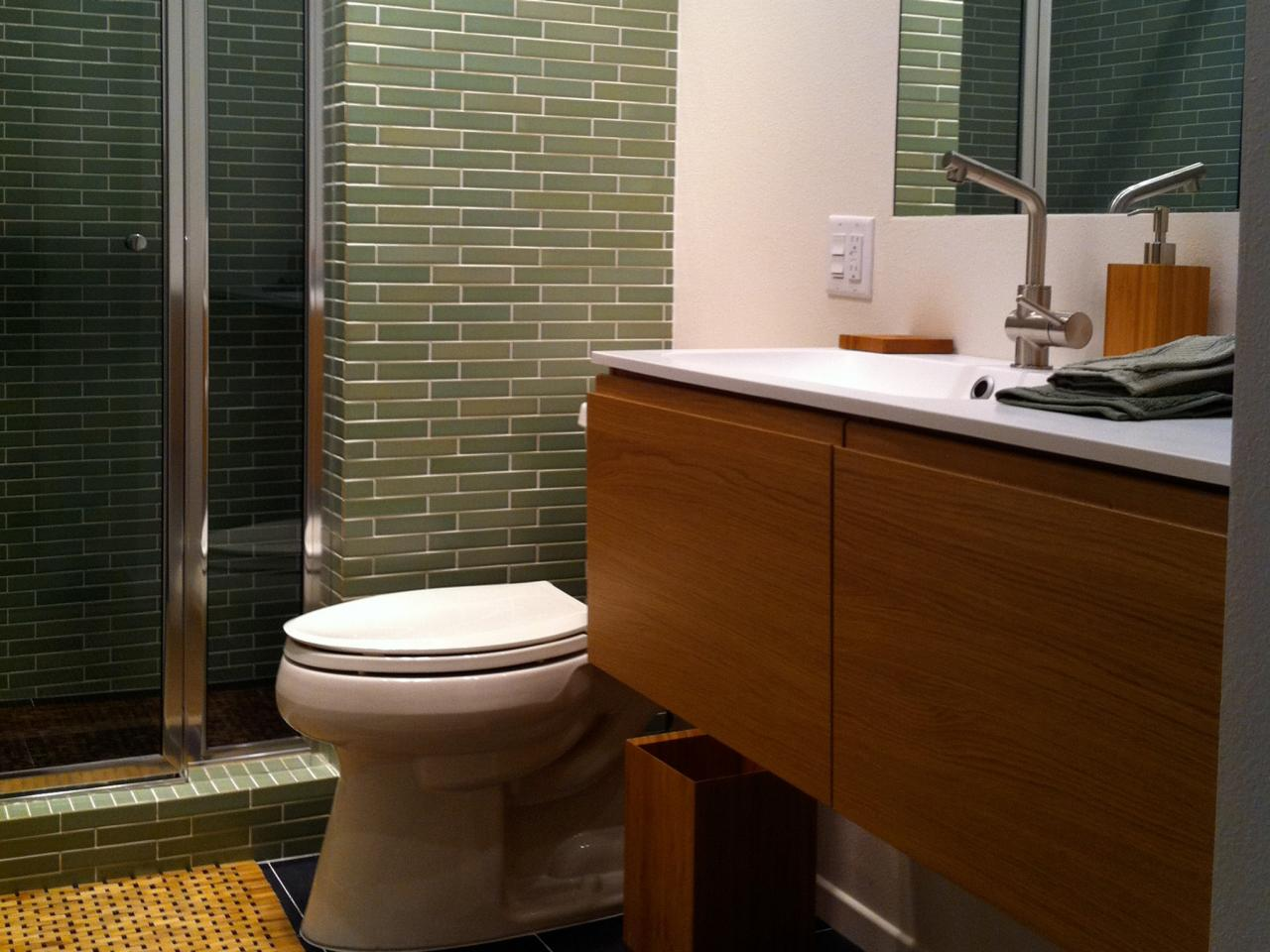 RMS-emanueljay_bathroom-mid-century-modern-vanity-toilet-shower-tile_s4x3.jpg.rend.hgtvcom.1280.960