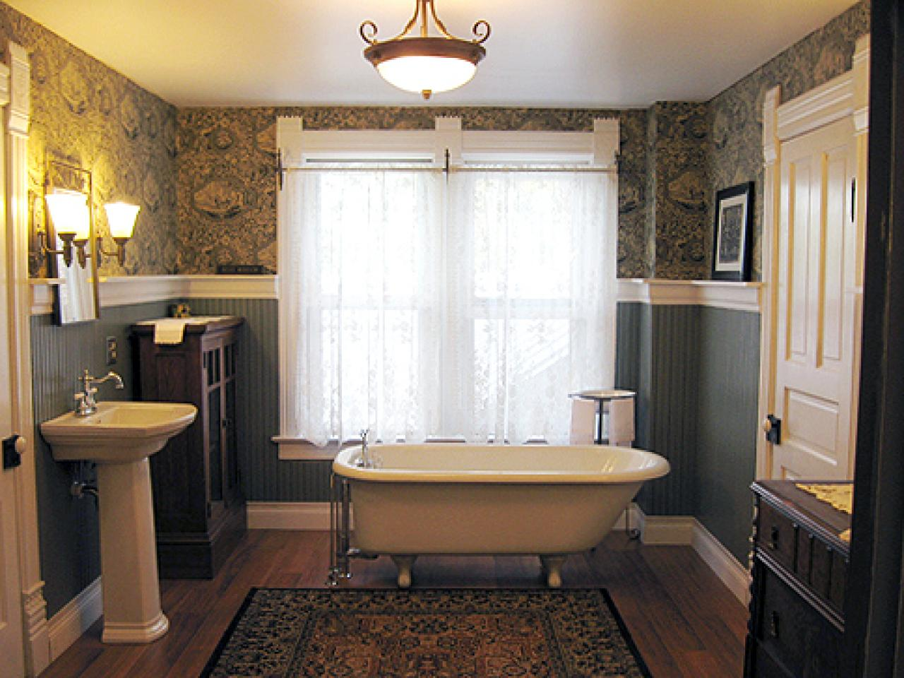 RMS_Mrsd Victorian Bath Redo After_s4x3.rend.hgtvcom.