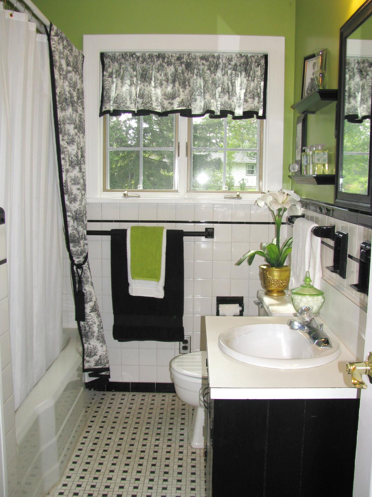 RMS_palmax-green-black-retro-bathroom_s3x4.jpg.rend.hgtvcom.1280.1707