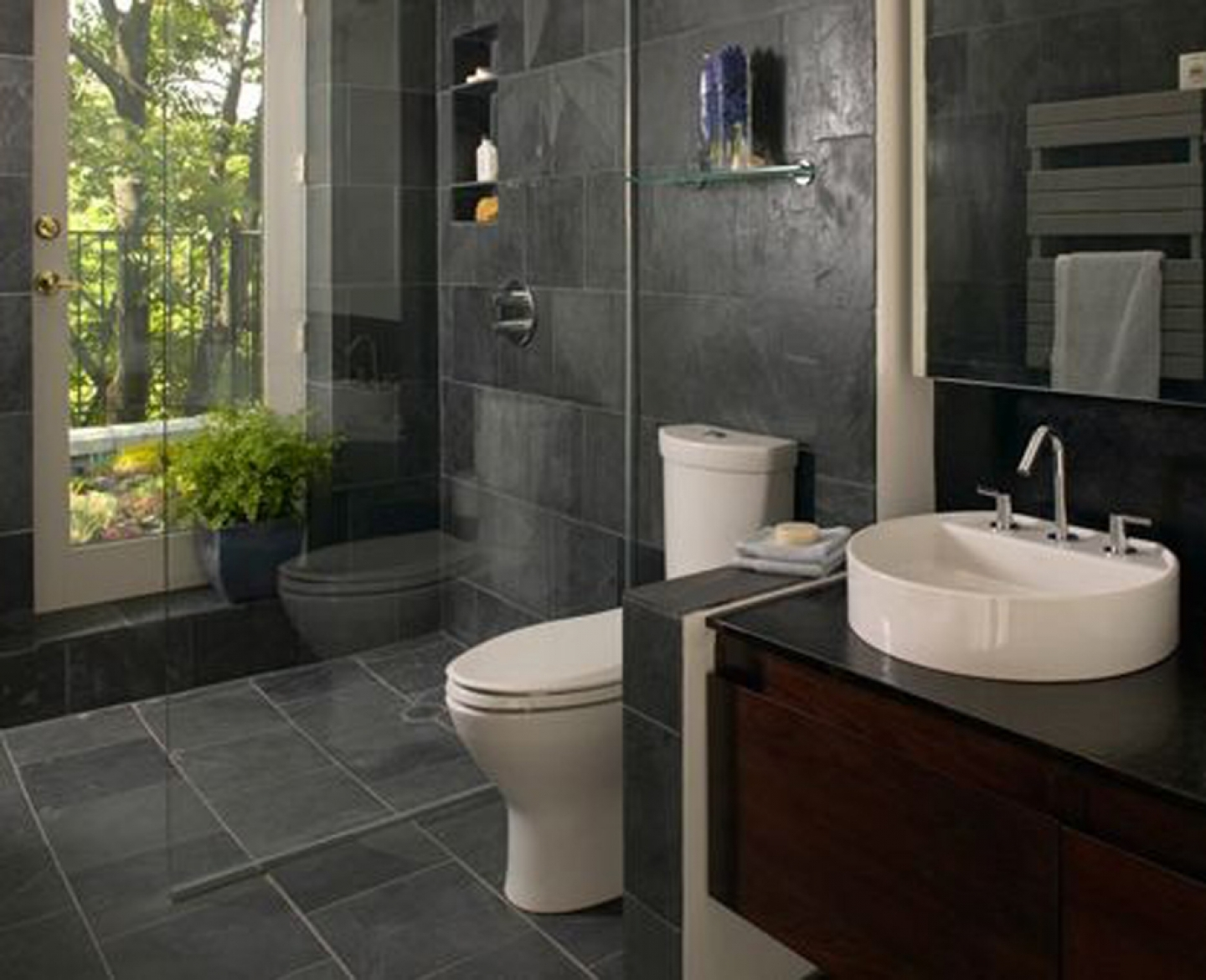30 magnificent ideas and pictures of 1950s bathroom tiles for Bathroom grey tiles ideas