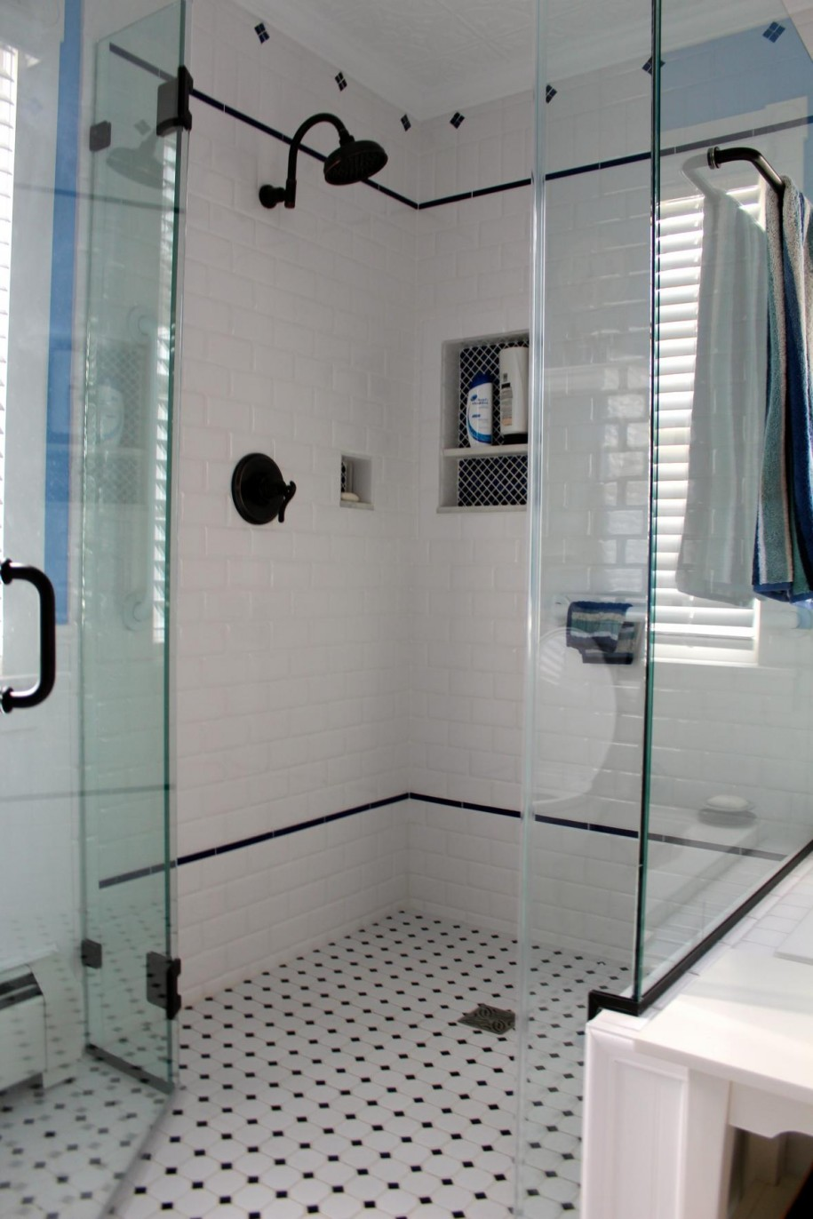 Stunning-Shower-Cubicle-Area-Design-With-Glasses-Door-And-Stunning-Vintage-Bathroom-Tile-Patterns-Ideas