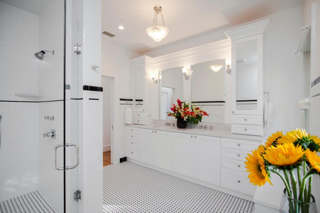 TriplePoint-Design-Build_Vintage-1920s-Master-Bath_8.jpg.rend.hgtvcom.1280.853