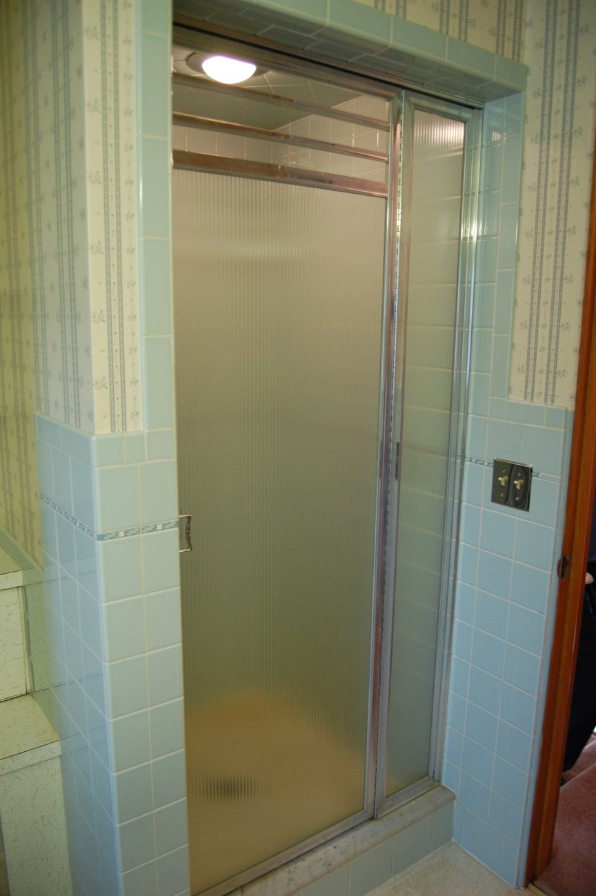 Vintage-shower-and-shower-door