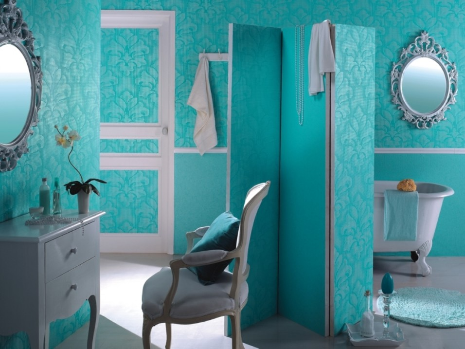 amazing-vinly-wallpaper-for-elegant-bathroom-design-ideas-plus-white-freestanding-tub-and-victorian-vanity-mirror-with-chair-as-well-as-round-rug
