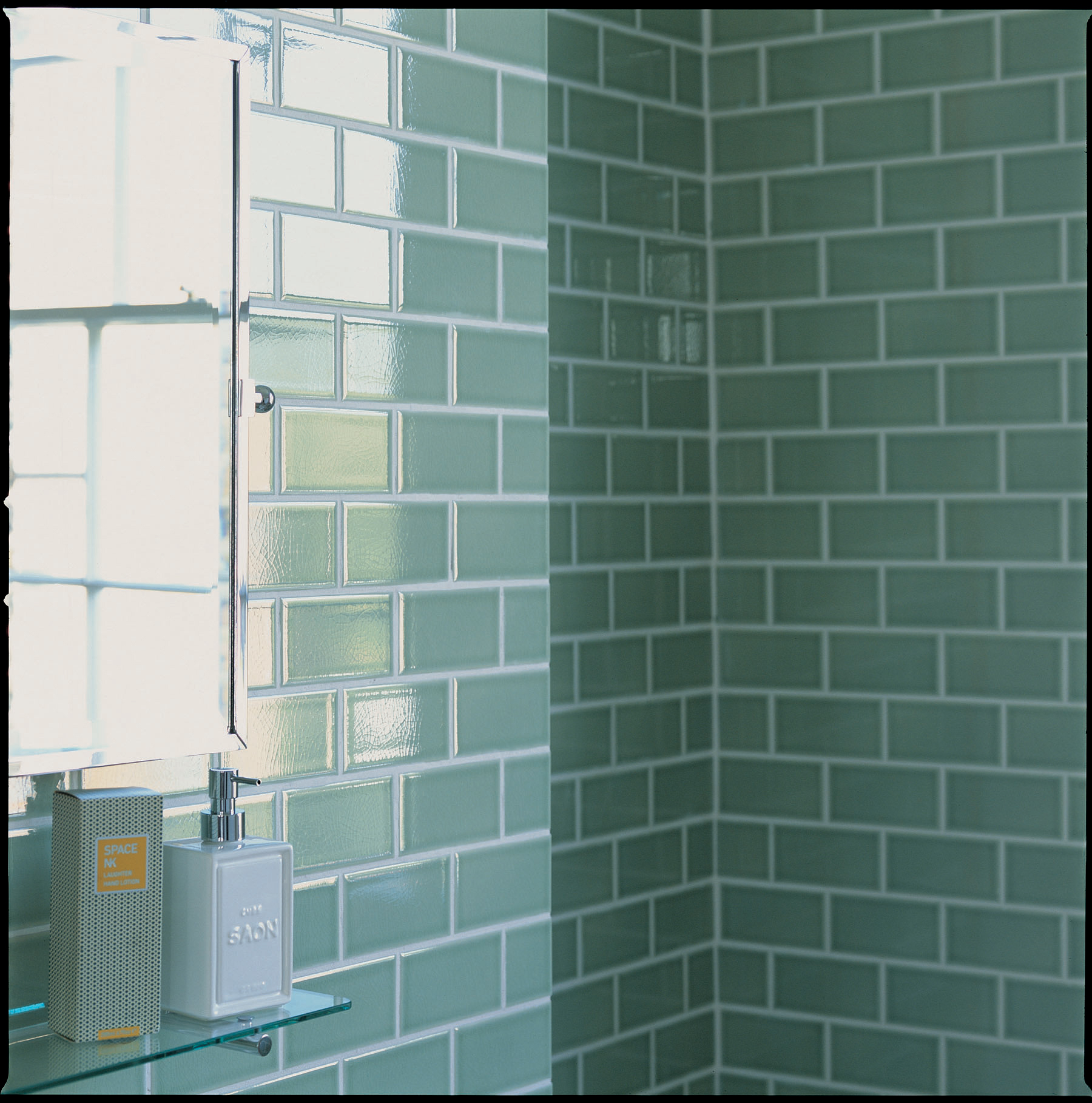 Glass Tiles In Bathroom: 30 Great Pictures And Ideas Of Old Fashioned Bathroom Tile