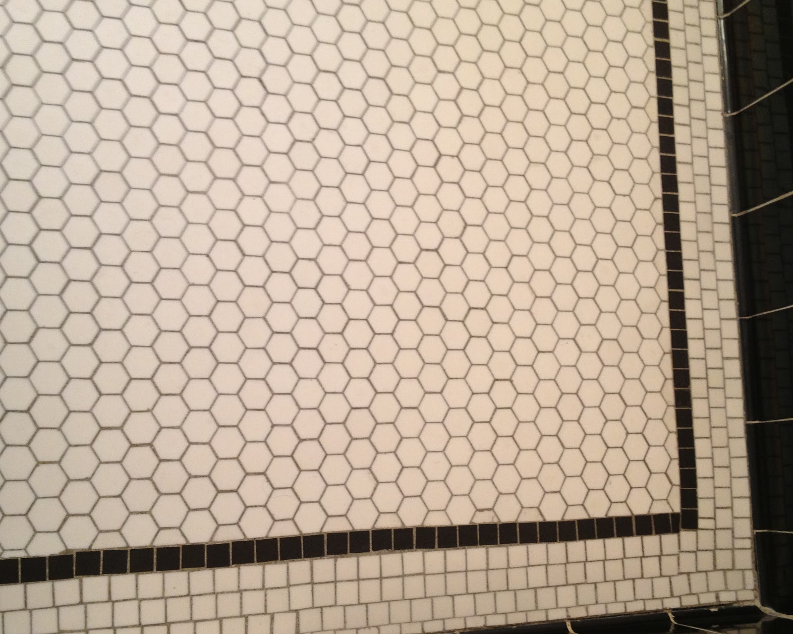 36 Nice Ideas And Pictures Of Vintage Bathroom Tile Design