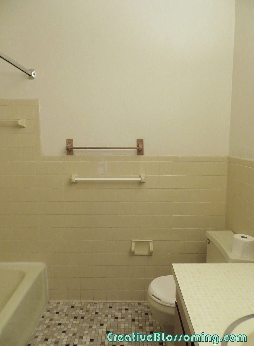 bathroom-shower-toilet-and-sink